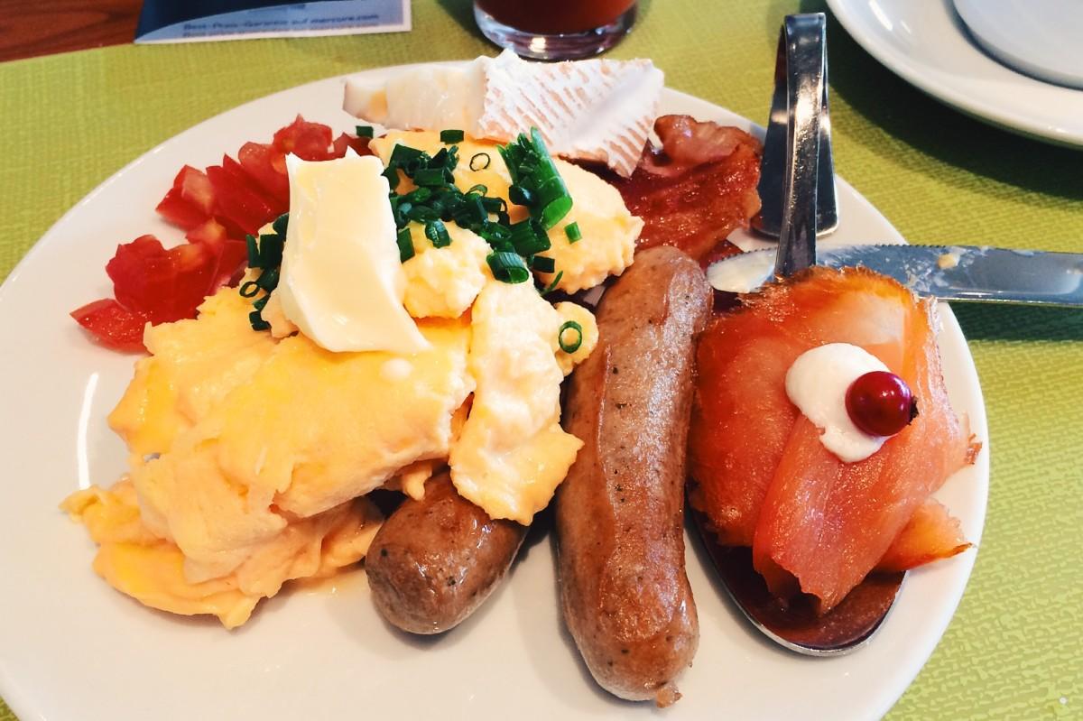 Hotelfrühstück im Mercure Porta Nigra Trier