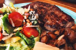 Steak und schon wieder nur Salat