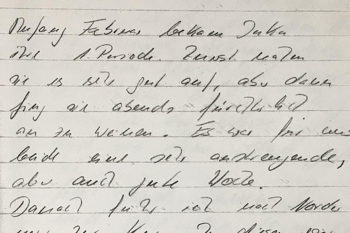 """""""Anfang Februar bekam Inka Ihre 1. Periode. Zuerst nahm sie es sehr gut auf, aber dann fing sie abends fürchterlich an zu weinen. Es war für uns beide eine sehr anstrengende, aber auch gute Woche (...)"""